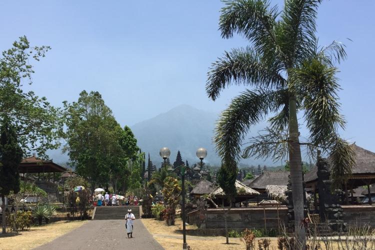 インドネシアアグン山周辺